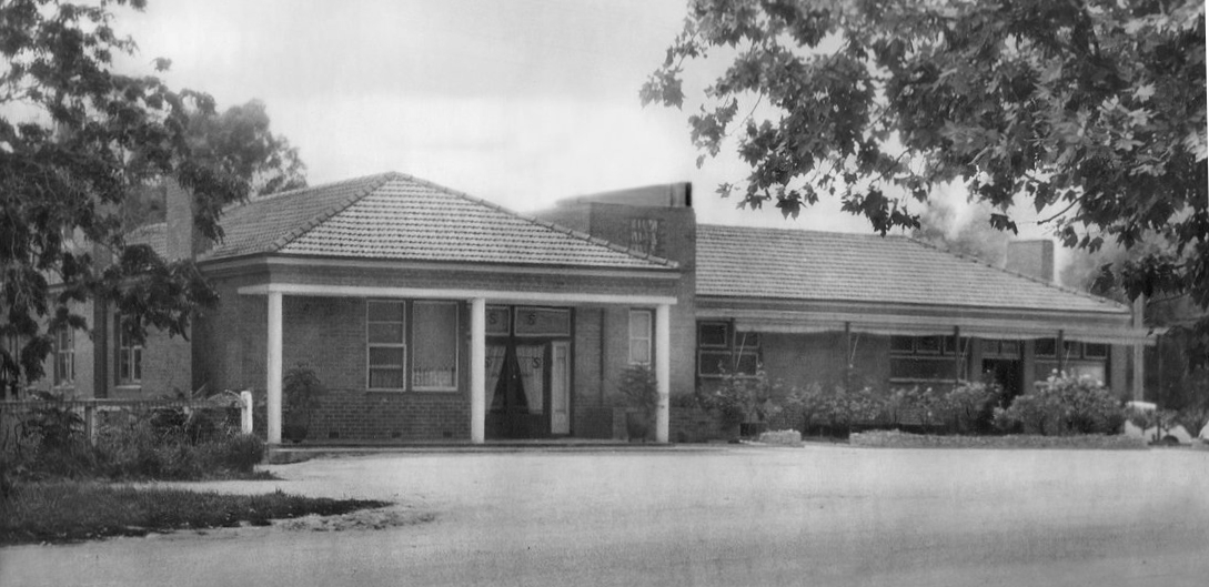 Sydney Hotel after O'Keefes renovations c1941 cropped B&W
